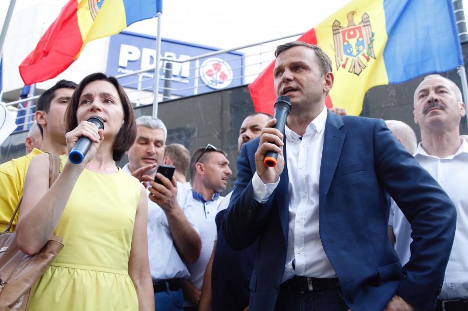 andrei nastase, protestatarii cer justiție liberă, tot ei cer ca Plahotniuc să schimbe decizia judecății privind anularea alegerilor, maia sandu